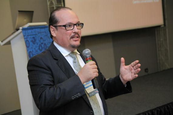 O Dr. Francisco Botelho durante o encontro em Brasília