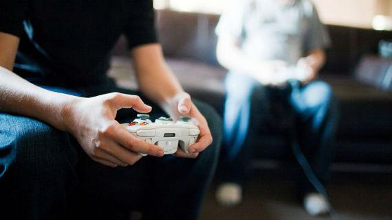 Mesmo os jogos que aparentemente não têm ligação com o ensino podem ser educativos. Fonte: ABC News