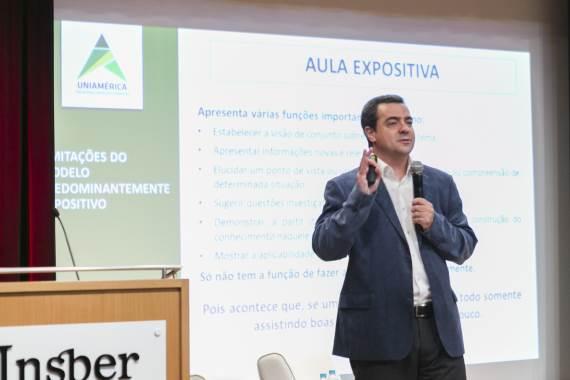 Ryon Braga no Fórum de Lideranças: Desafios da Educação. Fonte: Divulgação