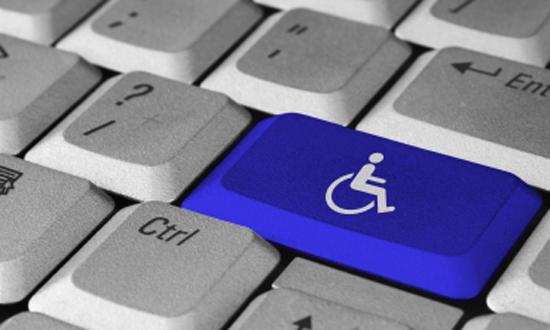 A própria natureza e os preceitos do ensino digital são inclusivos para as pessoas com deficiência.  Fonte: Fast track