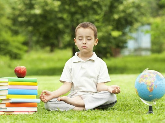 Schools-Adopt-Meditation-Time-537x402
