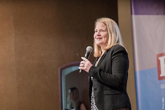 Tecnologia tem poder para democratizar a educação, defende Katie Blot
