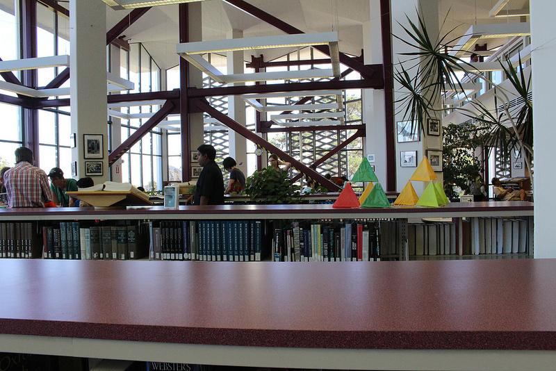 Makerspaces são espaços criados para desenvolver a criatividade e o conhecimento prático. (Foto: Visual Hunt)