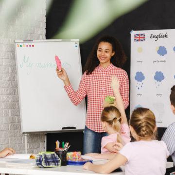 O desafio da educação bilíngue no horizonte das universidades