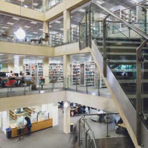 The University of Western Australia: o ensino superior australiano possui indicadores de qualificação técnica ou de nível superior que ultrapassam 57% entre adultos de 25 a 64 anos