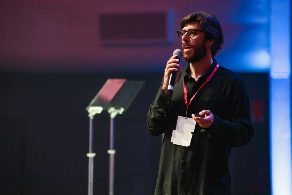 Rodolfo Bertolini, CEO da Centro Universitário Celso Lisboa Thomas Philbeck, diretor do Fórum Econômico Mundial (Foto: Guilherme Veloso/Fnesp)