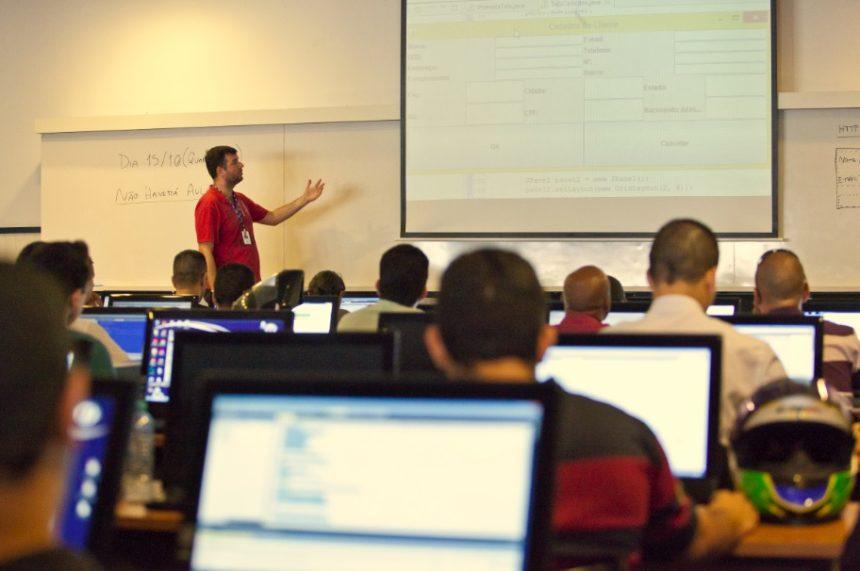A educação superior e o futuro do mercado de trabalho