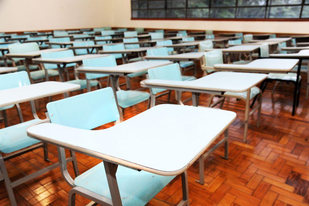 Sala de aula vazia. Crédito: Marcos Santos/USP imagens.