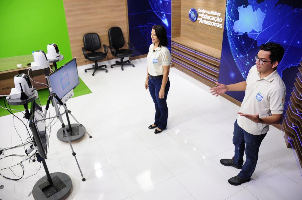 Professores gravam aulas para TV no Amazonas. Crédito: Seduc/AM.