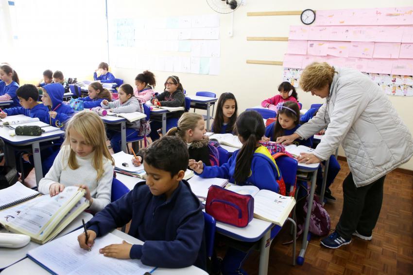 Sala de aula; crianças dizem querer voltar à escola. Créditos: Fotos públicas.