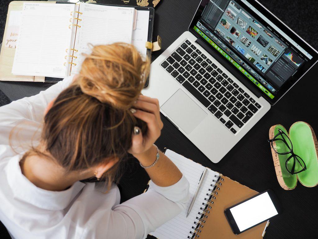 Efeitos da quarentena: excesso de tarefas e esgotamento nos professores. Crédito: Pexels.