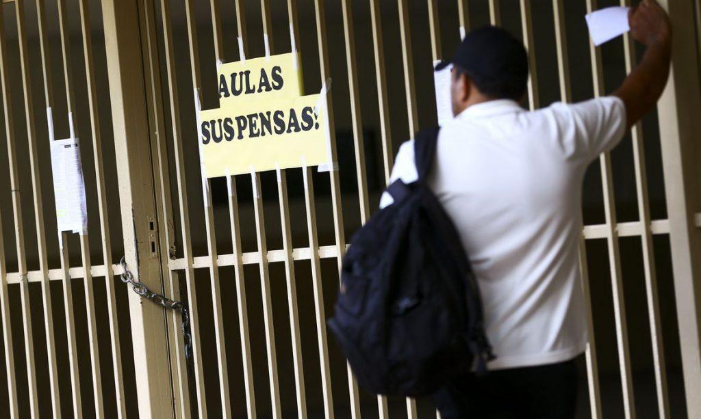 Após meses de aulas suspensas, as escolas projetam planos de reabertura. Crédito: Marcelo Camargo/Agência Brasil.