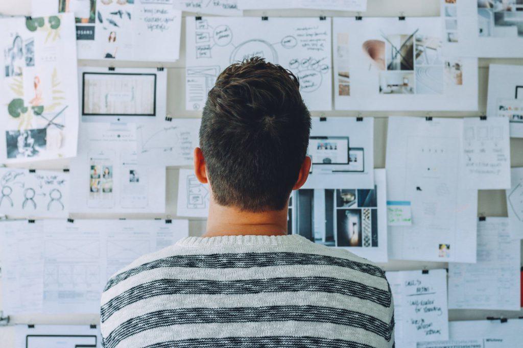 O design thinking é uma maneira de resolver problemas através da criatividade. Créditos: Pexels.