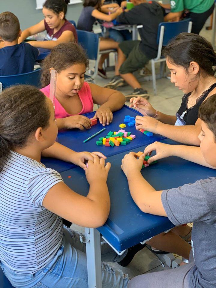 Programa do Itaú Social propõe um ensino da matemática de forma aberta, criativa e visual. Crédito: Divulgação/Instituto Sidarta.