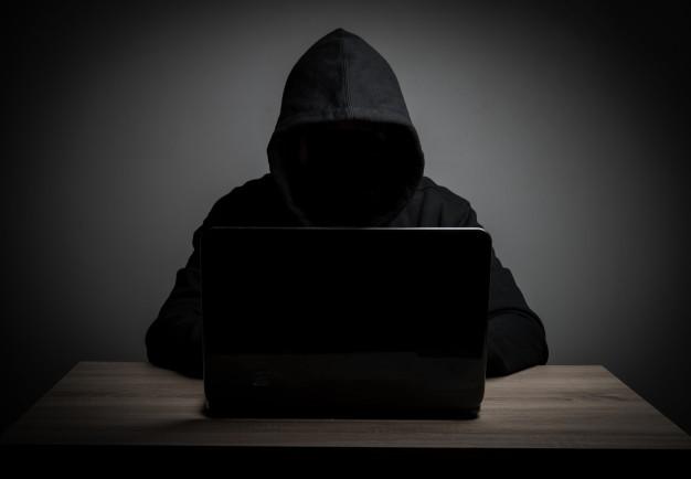 Sites que permitirem o compartilhamento de conteúdo, anúncios e links de obras pirateadas estão passíveis de punição.