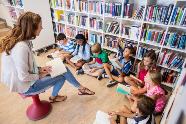 Livros lançados na pandemia: incentivar as crianças a lerem pode, além de outras coisas, ajudar na saúde mental.