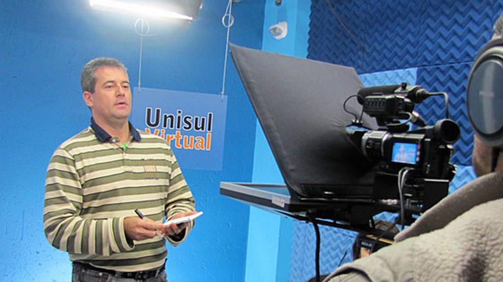 Unisul teve o único curso de direito EAD que funcionou no Brasil. Crédito: Divulgação.