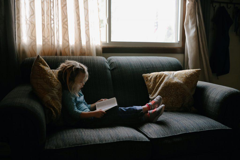 Durante a pandemia autores estão publicando livros que ajudam crianças a lidarem com seus sentimento. Crédito: Unsplash.