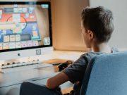 Com a pandemia, o letramento digital se tornou essencial para as aulas remotas.