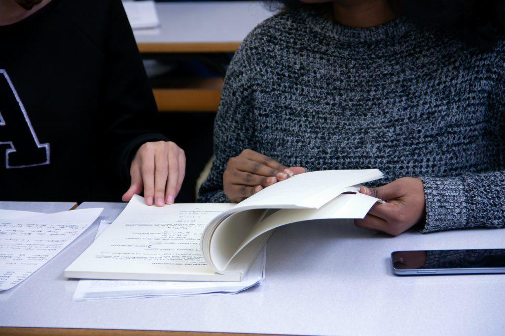 Aumento de matrículas no ensino superior foi de 14,1% em cursos tecnológicos e 3,5% para licenciatura. Crédito: Unsplash.