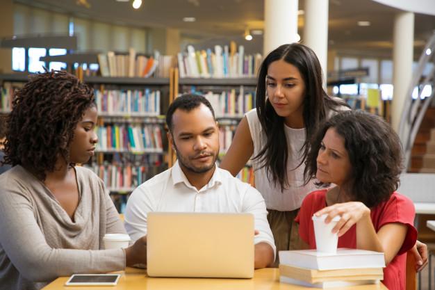 Se adaptar ao ensino digital exige paciência, coragem, planejamento, compartilhamento e, é claro, muita aprendizagem dos professores. Créditos: pexels.